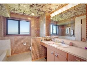 crazy wallpaper bathroom